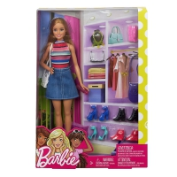 Barbie-with-accesories5.jpg